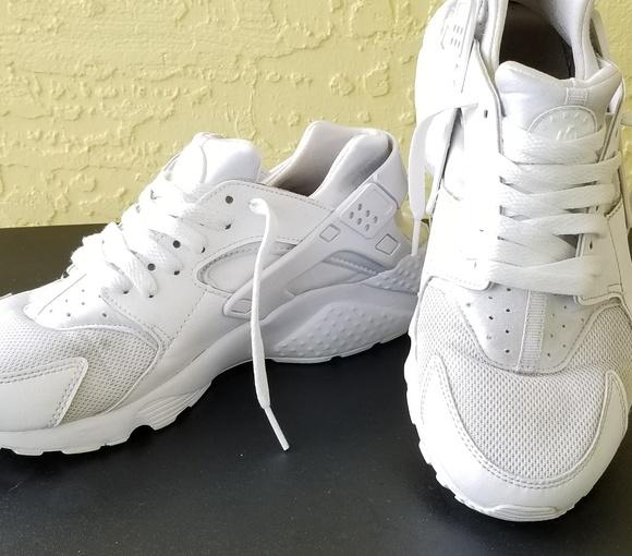 c23bbf1a03 Nike Huarache Run GS White Pure Platinum Sneakers.  M_5b5b3ddf4ab63381612b16e4